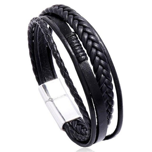Bracelet en cuir fait à la main tressé  1