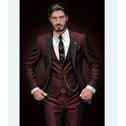 Nieuwe Collectie Bruidsjonkers Peak Zwarte Revers Bruidegom Smoking Bourgondië Men Suits Wedding Beste Man Blazer (Jas + Broek + vest)