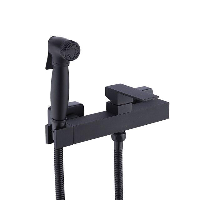 Латунный ручной распылитель для биде и душа с регулируемым клапаном и комплектом шлангов для душа 1,5 м, настенное крепление, матовый черный