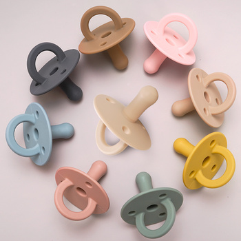 Hot Sale New Soft Silicone Soft Baby Pacifier Infant Baby Teether Toys Food Grade Silicone Baby Pacifier Chain Pendant