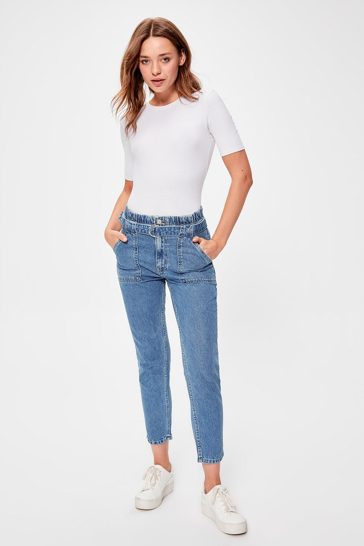 Trendyol Blue Arched Beli Shirred High Waist Mom Jeans TWOAW20JE0155