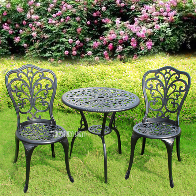 American Garden Style Three-Piece Tables And Chairs 1
