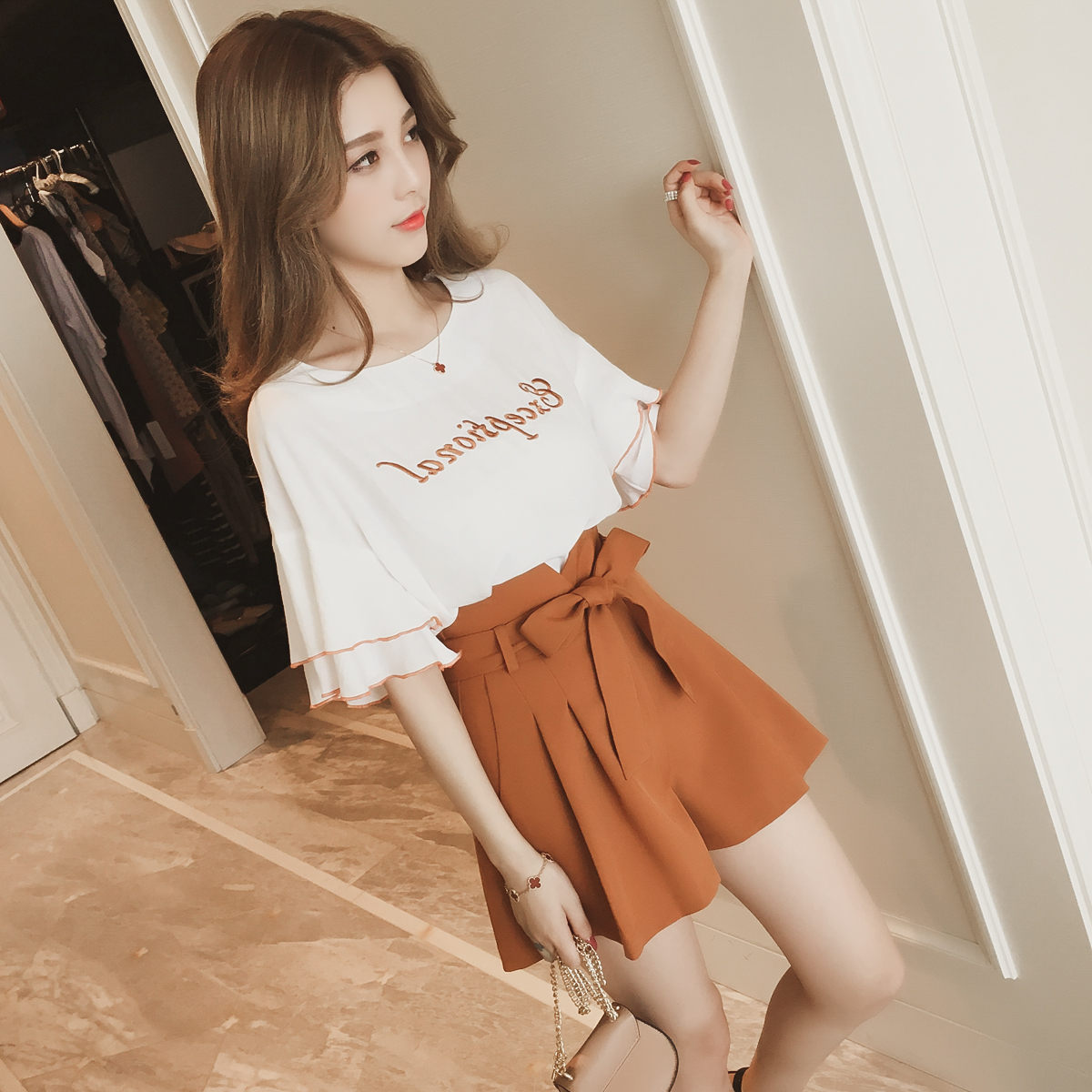 Spring Summer New Style Western Style Fashion Set Student Short Tops With Wide-Leg Shorts Hong Kong Flavor Two-Piece Set Fashion