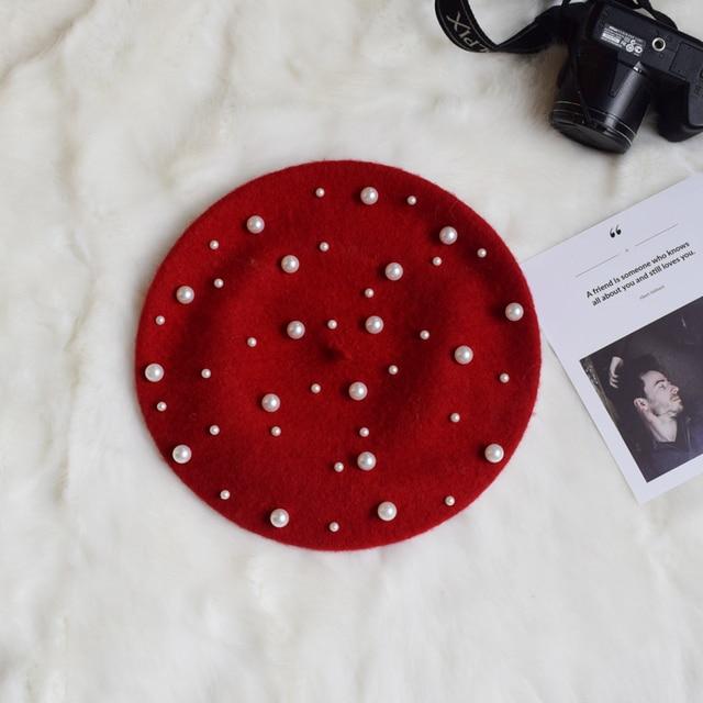Dames automne hiver luxe perle bérets Rivet cachemire béret femmes chaud Vogue français chapeaux filles tricoté rouge perlé béret femme