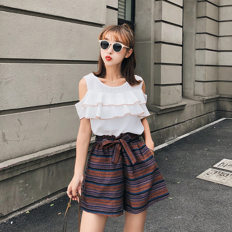 [Dowisi] High-waisted Wide-Leg Shorts 2018 New Style Korean-style Off-shoulder Tops Shorts Two-Piece Set Fashion F6654