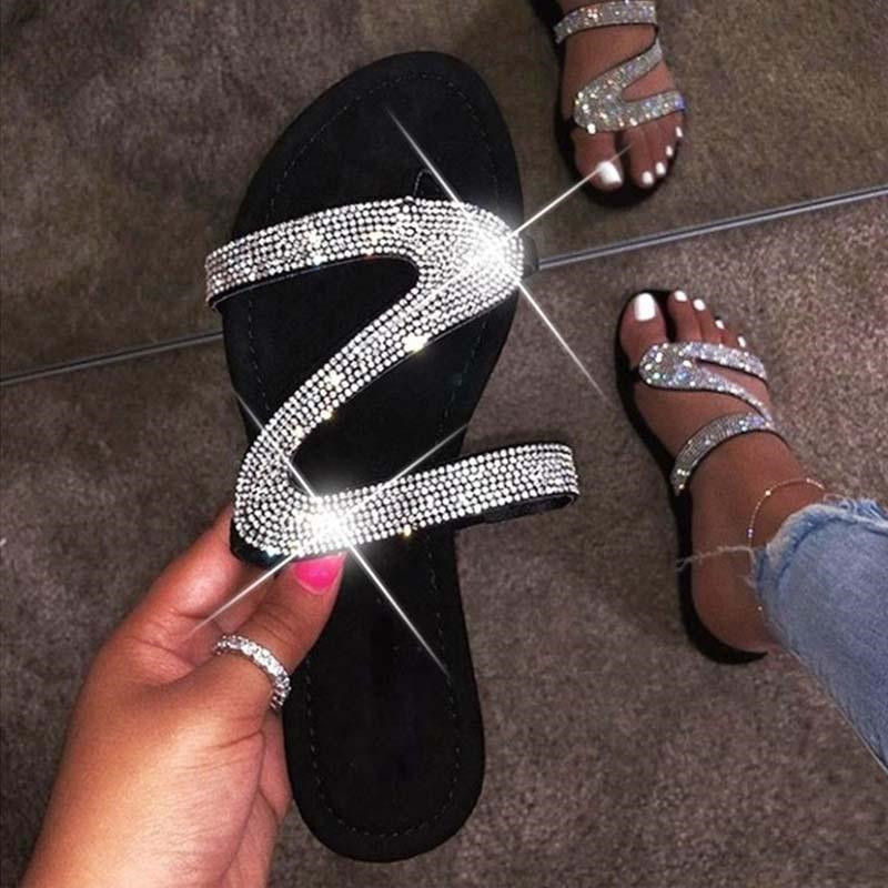 Women Summer Flat Bling Slippers Female Casual Flip Flops Sandals Outdoor Beach Slides Non-Slip Rhinestone Sandals 2020 New