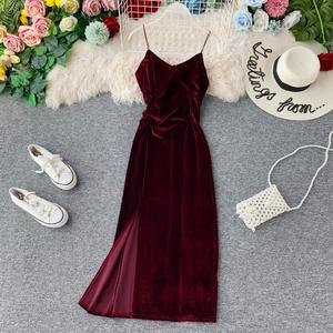 2020 New Women Vintage Velvet Dress Summer Spaghetti Strap V-neck Sexy Bodycon Dress Ladies Elegant Party Long Robe Vestidos