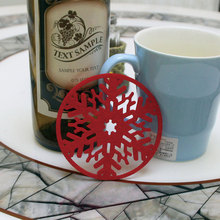 2 Pcs Christmas Snowflake Coaster Placemat Coffee Wine Tea Home Decorations Table Mat