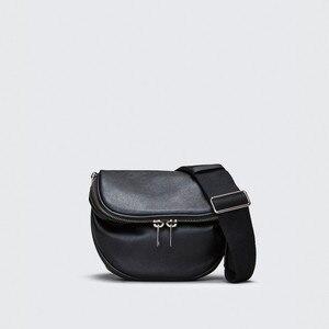 Image 2 - Pndme Casual Mode Echt Lederen Dames Borst Zak Zachte Koeienhuid Eenvoudige Zwarte Vrouwen Messenger Bags Vrouwelijke Licht Taille Packs