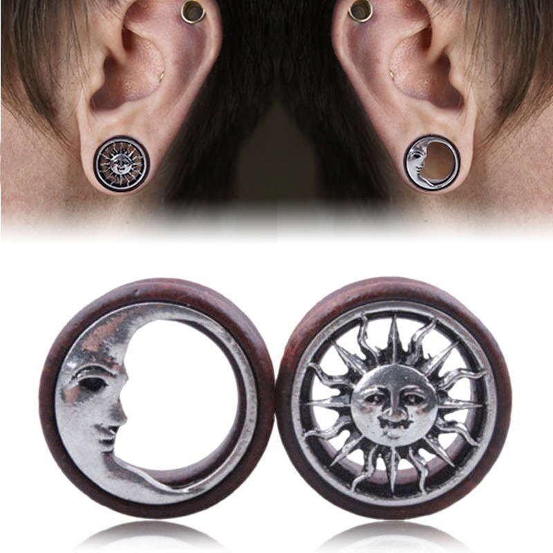 1Pair Fashion Wooden Hollow Sun & Moon Ear Plugs Gauges Saddle Flesh Tunnel Ear Piercing Expander Women Body Jewelry 8mm-20mm