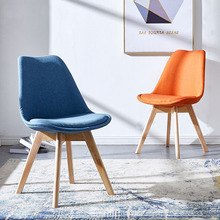 купить Nordic INS fabric PP plastic solid wood chair dining chairs for dining rooms restaurant furniture bedroom dressing dining chairs дешево