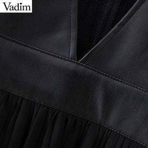 Image 4 - Vadim mulheres couro do plutônio chiffon mini vestido plissado sem mangas feminino casual vestidos pretos chique com decote em v vestidos elegantes qc815