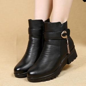 Image 3 - Gktinoo Mùa Đông Giày Giày Bốt Nữ Da Thật Chính Hãng Da Nêm Gót Chống Trơn Trượt Giày Bốt Nữ Size Lớn Mẹ Ấm Khởi Động famale Ủng