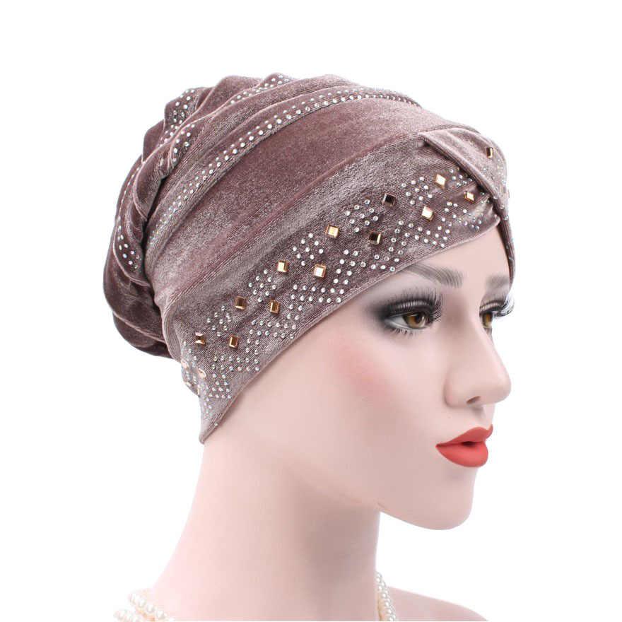 12 ألوان جديدة امرأة الحجاب المخملية حَجَرُ الرَّايِن كبير الحجم عمامة إكسسوارات الشعر غطاء رأس قبعة قبعة السيدات غطاء تساقط الشعر وشاح إسلامي