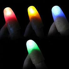 2 шт. светодиодный светильник для пальцев, кольца, светящиеся волшебные пальцы, мигание крупным планом, трюк для пальцев, светящиеся пальчик...