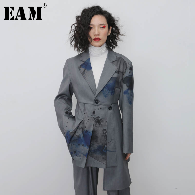 [EAM]  Women Gray Pattern Pleated Asymmetrical Blazer New Lapel Long Sleeve Loose Fit  Jacket Fashion Spring Autumn 2020 1N119
