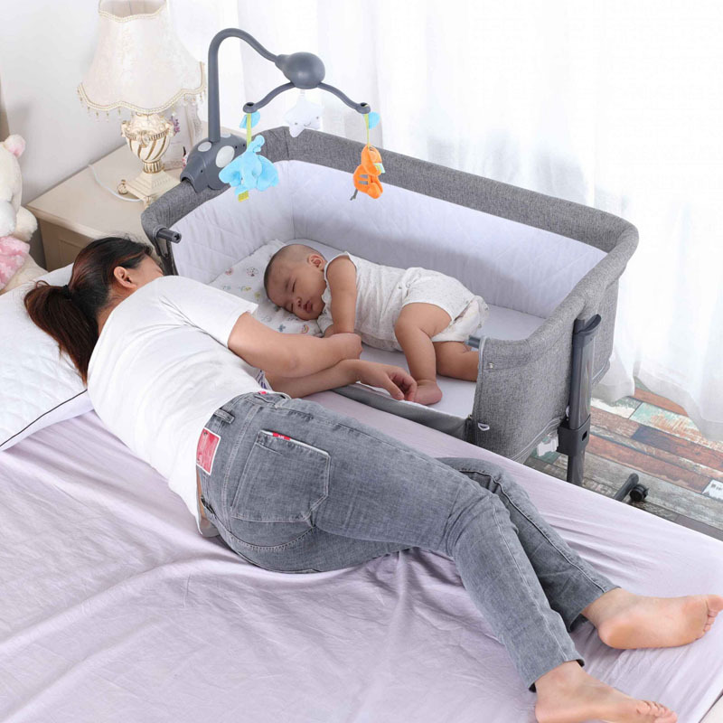 2layers Portable Baby Crib With Wheels Mosquito Net Bells Movable Foldable Spliced Large Bed Infants Bassinet Basket Game Bed