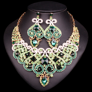 Image 4 - 웨딩 크리스탈 반지 팔찌 목걸이 귀걸이 세트에 대 한 설정 럭셔리 신부 보석 인도 파티 의상 액세서리 여성을위한 선물