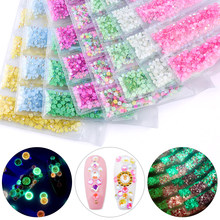 Promozione! SS4-SS12 Formato Misto 1680pcs di Cristallo Luminoso FAI DA TE Decorazioni di Strass 3D di Scintillio Del Diamante Glow In The Dark Ornamenti(China)