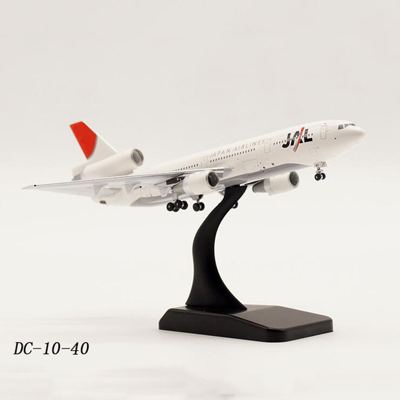 1:400 Scale DC 10 40 Model Classic Airplane JAL Japan Airlines Alloy Aircraft with landing gear base Diecast Plane display Gift