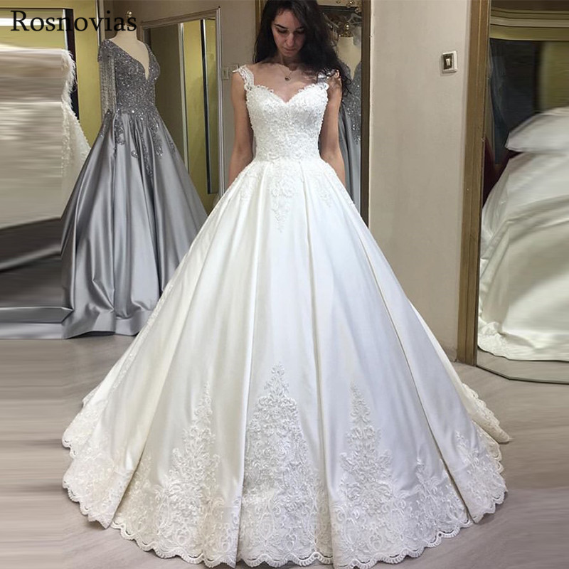 Ball Gown Princess Wedding Dresses 2019 V Neck Sleeveless Lace Appliques Modest Garden Stain Bridal Gowns Vestido De Novia