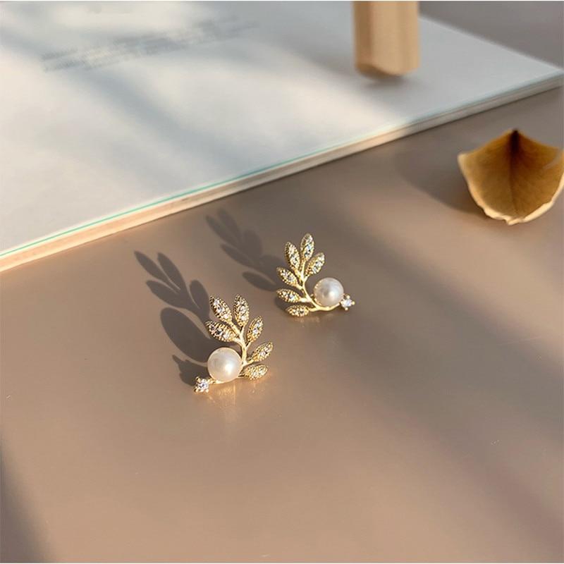 2020 neue mode Koreanische perle blätter modellierung ohrringe Vertraglich joker glänzenden feinen kristall ohrringe Frauen Schmuck