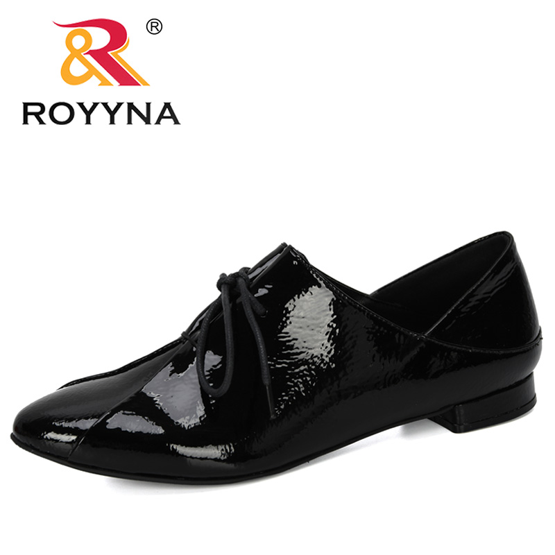 ROYYNA 2019 New Designer Fashion Shoes Women Casual Point Toe Loafers Working Shoes Ladies Outdoor Walking Party Pumps Feminimo