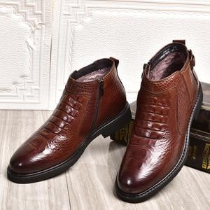 Image 4 - جديد الشتاء موضة التمساح نمط الرجال حقيقية جلد البقر الأحذية عالية الجودة سوبر الدافئة الذكور الشتاء أحذية مقاوم للماء الثلوج الأحذية
