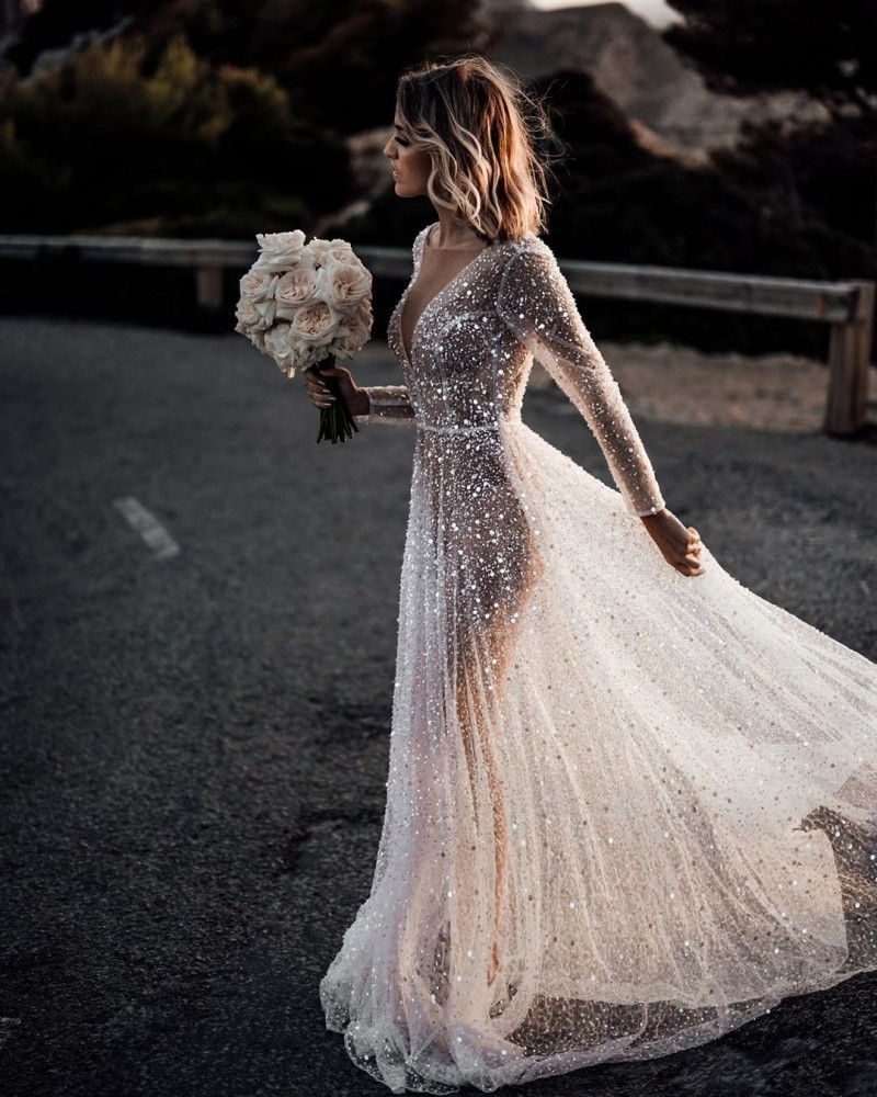 Sparkly 2020 Sexy Wedding Dresses Deep V Neck Sequined Beads Boho Illusion Bridal Gowns Backless Long Sleeve Beach Wedding Dress