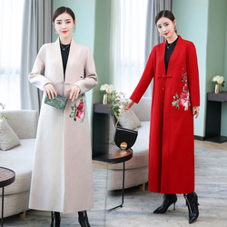 A New Embroidered Outer Dress in Autumn and Winter of 2019 with Chinese Embroidery and a Button Design for Womens Wool Overcoat