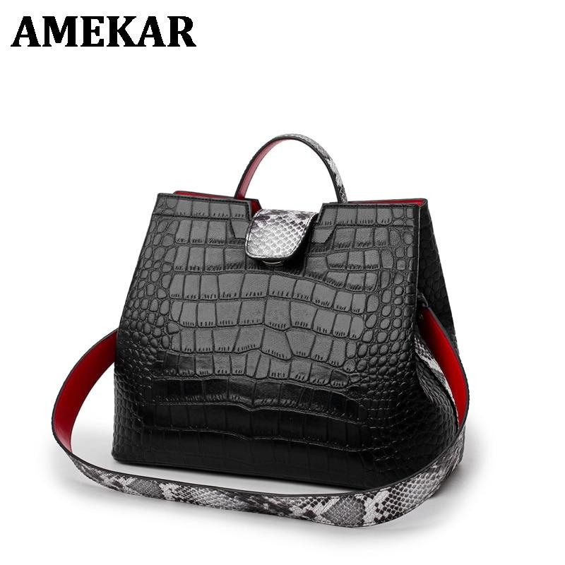 Luxury Crocodile Handbags Women Snakeskin Wide Shoulder Strap Bucket Bag Designer Shoulder Bag Buckle High Capacity Totes 2021