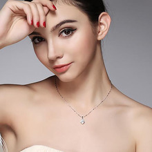 Fashion Short Clavicle Chain for Women Temperament Sexy Four-leaf Clover Flower-shape Pendant Necklace Classic Jewelry цена
