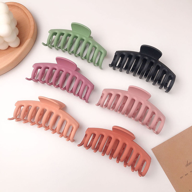 2021 Korean Solid Big Hair Claws Elegant Frosted Acrylic Hair Clips Hairpins Barrette Headwear for Women Girls Hair Accessories 4