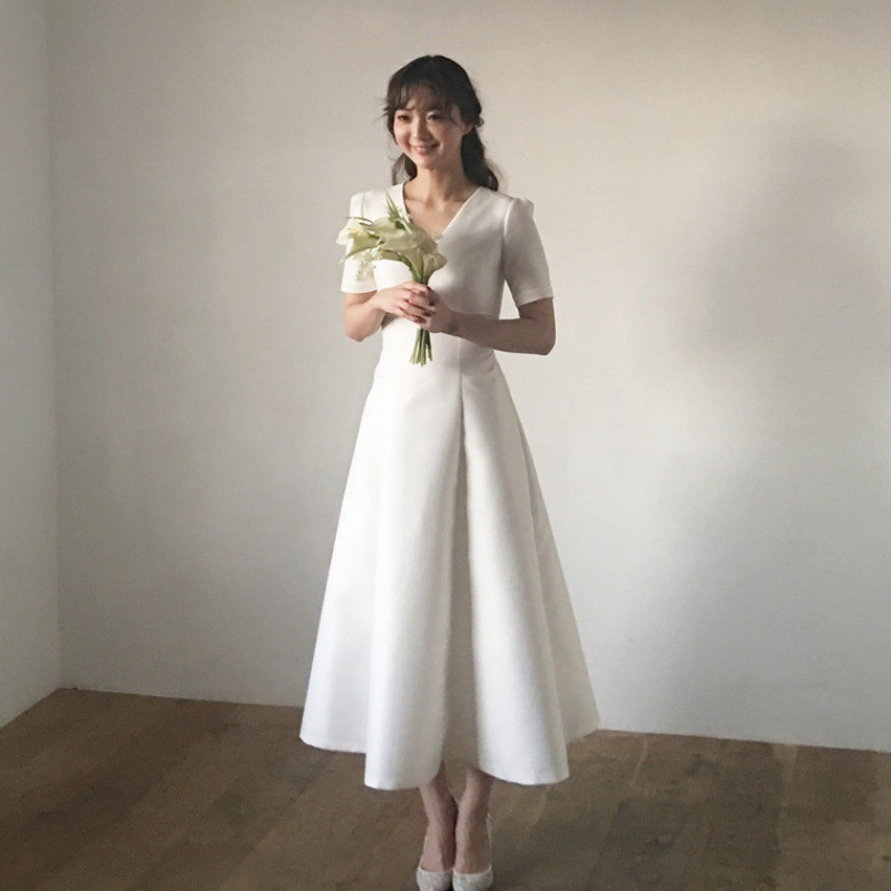 Short Sleeves Simple Wedding Dresses 2019 Lace Up Back Scoop Neck Wedding Bridal Dress Elegant Satin Bride Gown Tea Length