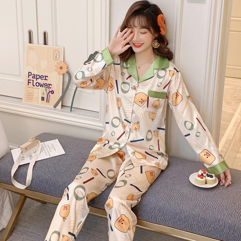 Women's Pajamas Cartoon Duck Print Smooth Comfortable Silk Made Hot Sale Girl's Pyjamas Long Sleeve Two Pieces