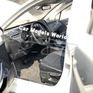 Image 5 - Modèle de voiture moulé sous pression pour toutes les nouvelles Corolla 2019 (blanc) + petit cadeau!!!!
