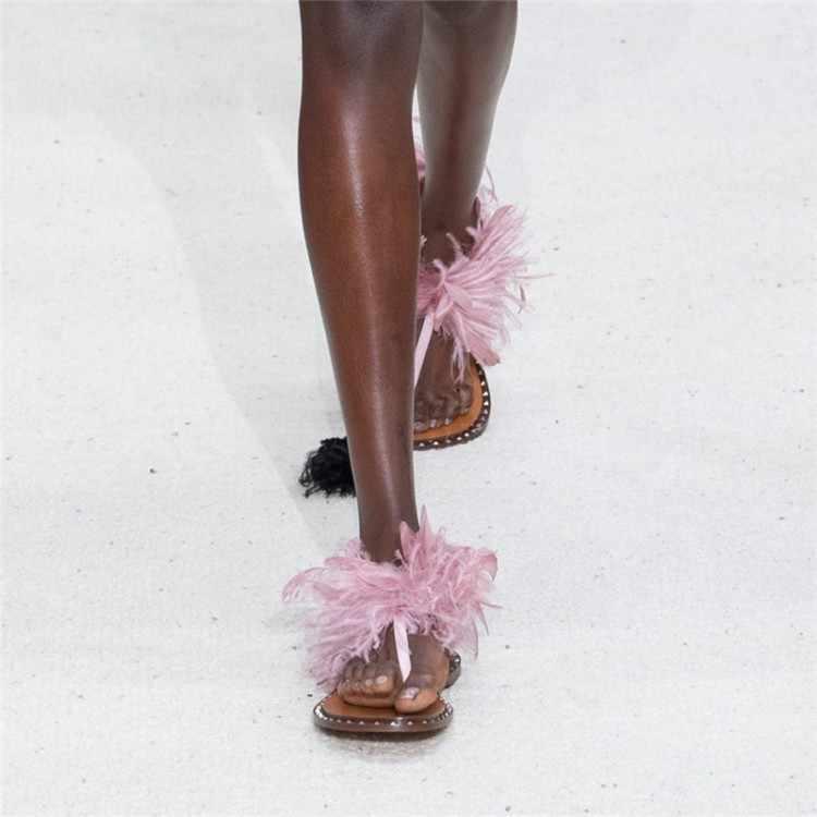 Sandálias de praia plana mulher clip toe sandalias mujer 2020 verão sapatos de vacatoin mulher pena sandália feminina zapatos de mujer