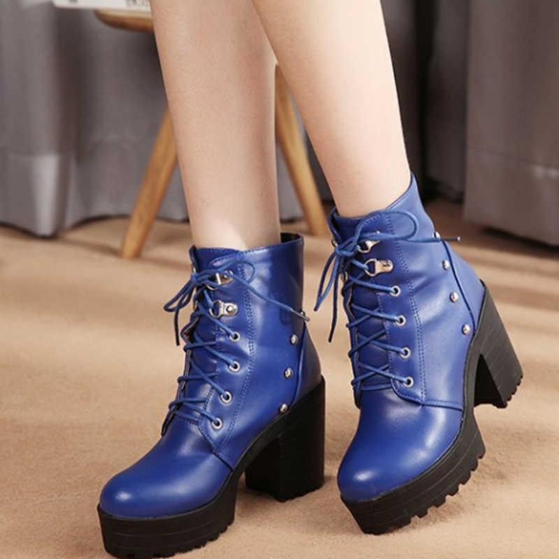 WETKISS Platformu Kalın Yüksek Topuk Ayakkabı Düz Yuvarlak Ayak Kadın yarım çizmeler Çapraz Bağlı Perçin Kadın Bootie Rahat moda ayakkabılar