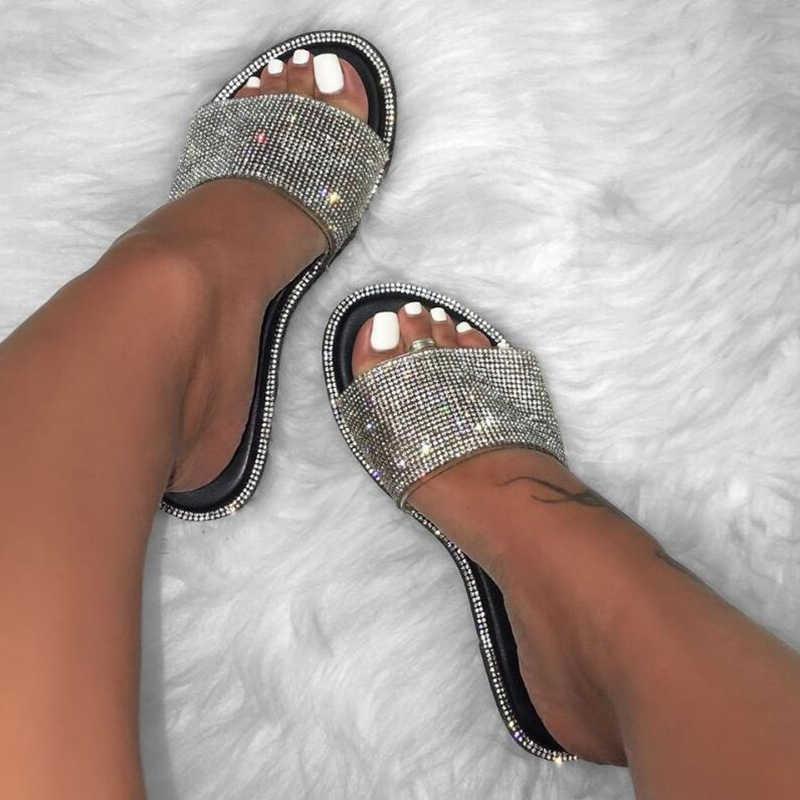 Rhinestone şeker renkli terlik yeni moda kadın flip flop moda vahşi plaj ayakkabı elmas düz alt açık vahşi sandalet