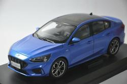 1:18 Diecast Model voor Ford Focus 2019 Blauw Sedan Legering Speelgoed Auto Miniatuur Collectie Geschenken Freestyle