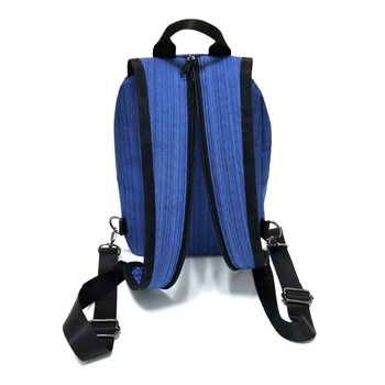 防水柔軟なソーラーパネルバックパック利便性充電ラップトップバッグ旅行のためのソーラー充電器デイパック