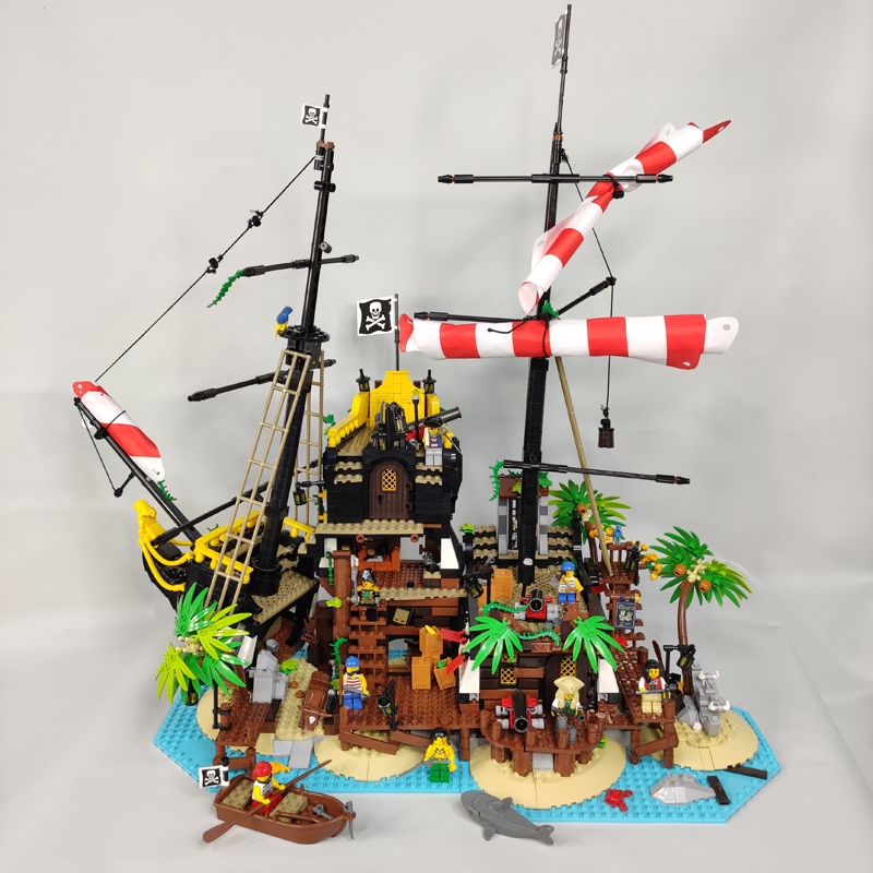 In Stock Pirates Of Barracuda Bay 21322 Pirate Theme Series Ideas Model Building Blocks 2524Pcs 16042 16016 698998