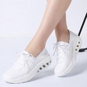 Image 1 - TKN 2019 jesień kobiety trampki buty prawdziwej skóry kobiet wiązane płaskie buty platformy buty Chaussures Femme buty kobieta 7688