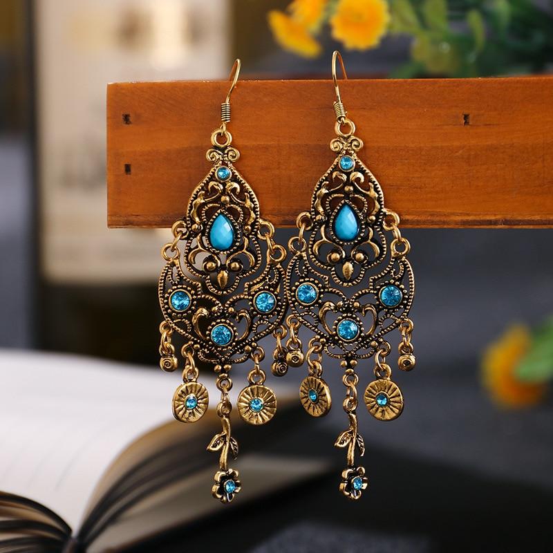 Wersja kolczyków z lazurowymi kryształami.