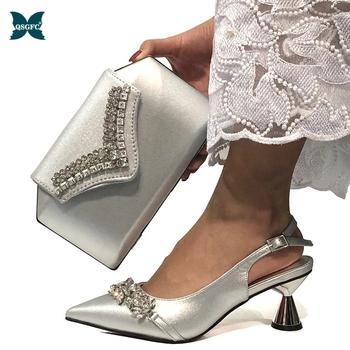2020 najnowsze afrykańskie dopasowane buty i torby w kolorze srebrnym kobiety włoski projekt panie buty i torby aby dopasować zestaw luksusowe buty tanie i dobre opinie QSGFC Pantofle Dziwne styl CN (pochodzenie) Wysoka (5 cm-8 cm) Pasuje prawda na wymiar weź swój normalny rozmiar Moda