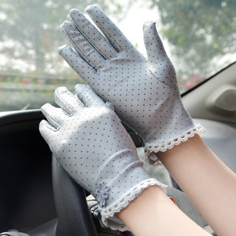 Summer Sunscreen Driving Gloves Women Breathable Thin Short Elasticity Full Finger Lace Gloves Cute Dot Anti-UV Cycling Glove K4