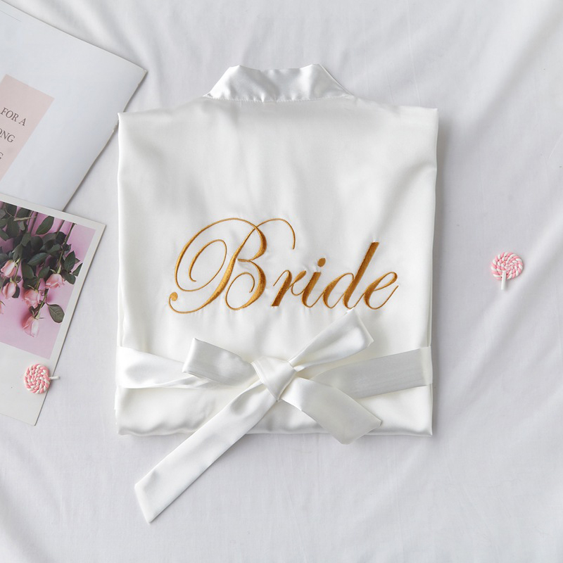 Embroidery Letter Bride Bridesmaid Wedding Robe Sexy Satin Kimono Gown Gown Sleepwear Casual Lady Half Sleeve Intimate Lingerie