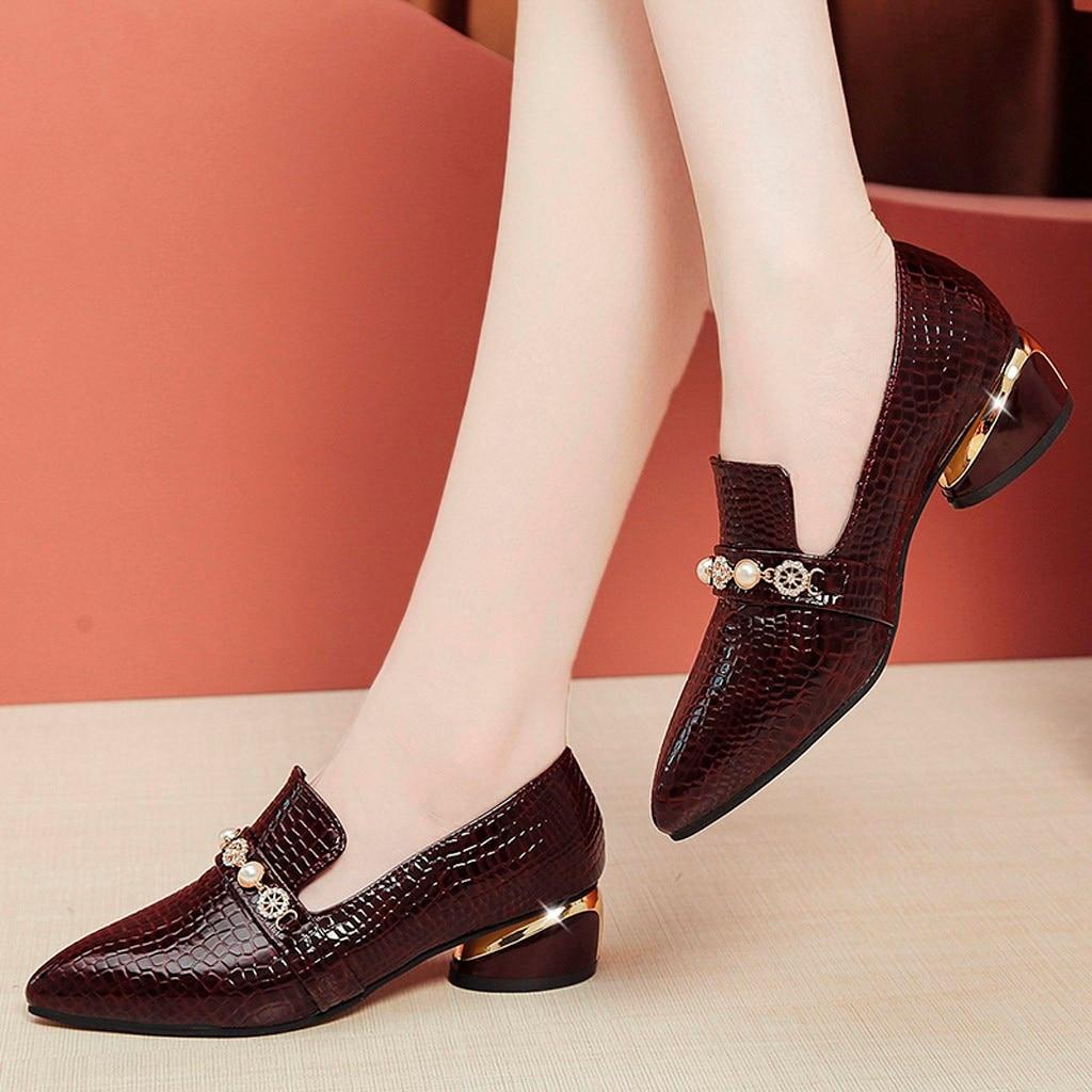 Women Crocodile Pattern Block-Heel Pearl Pointed Toe Shoes Elegant Ladies Autumn Small Leather Shoe Low Round Heel Shoes Topuklu
