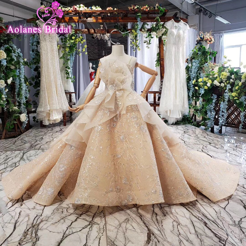 2019 Lace Pageant Dresses Flower Girl Dress Off Shoulder Sweep Train Ball Gown Kid First Communion Dress Glitters Ruffles Gown