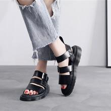 디자이너 샌들 Doc Gladiator 그리폰 스트랩 마틴 가죽 여성용 샌들 여름 2020 여성 샌들 플랫 여성화
